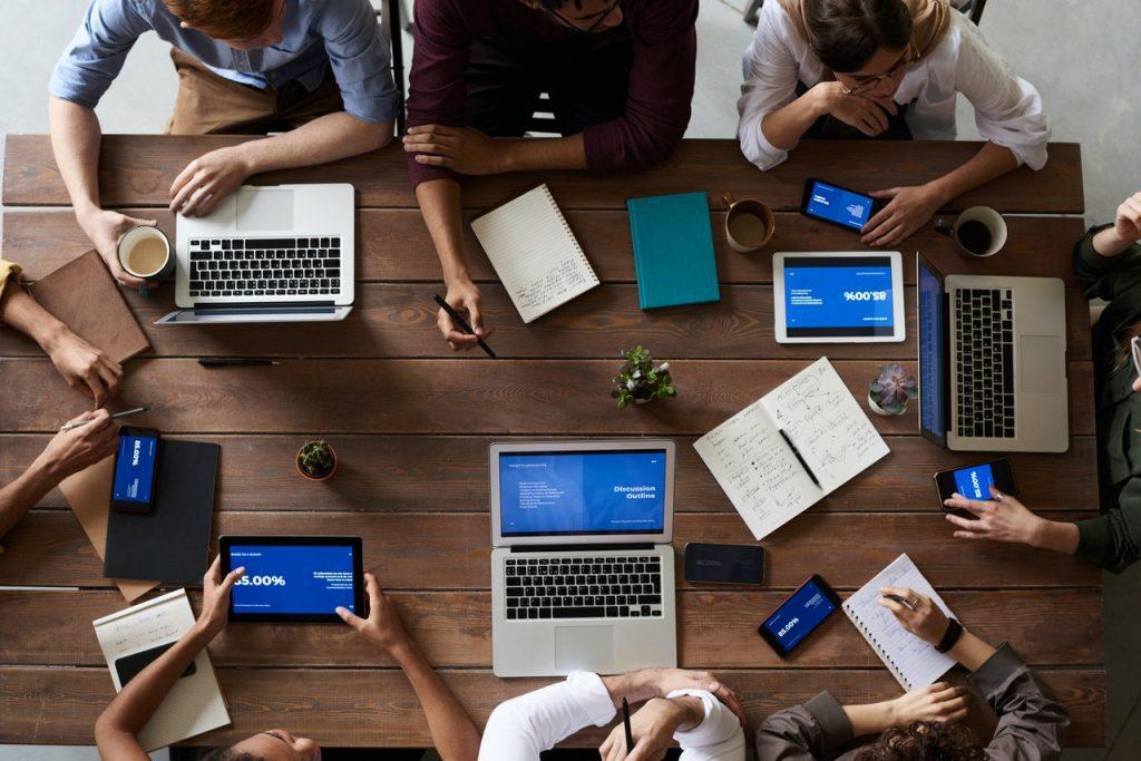 Usar Rapport em Empresas? Será Disparate?, por Sacha Matias